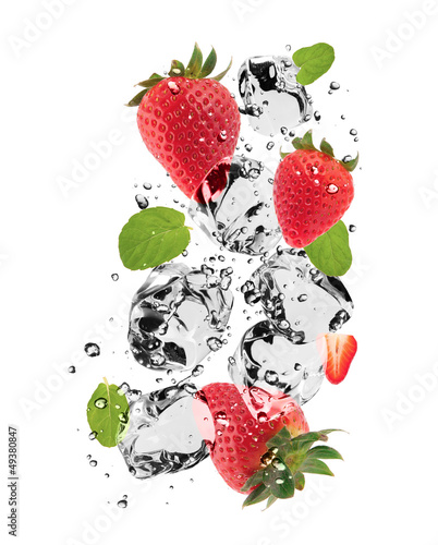 Deurstickers In het ijs Strawberries with ice cubes, isolated on white background