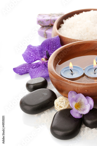 Plissee mit Motiv - Beautiful spa setting with flowers, isolated on white