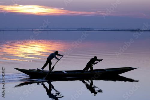Tablou Canvas Venice sunset silhouette of sinchronized rowing men