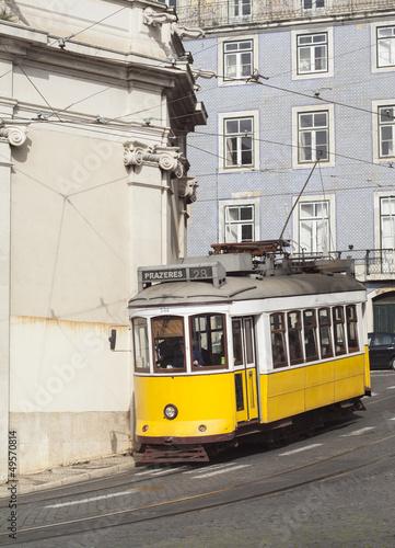 tramwaj-nr-28-w-lizbonie-portugalia