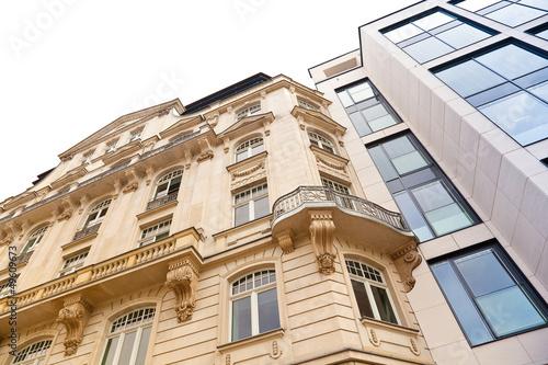 Foto op Canvas Oude gebouw Altbau und modernes Haus in Frankfurt