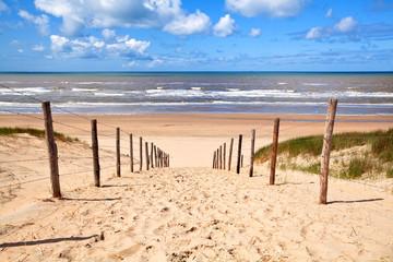 fototapeta ścieżka do piaszczystej plaży na morzu Północnym