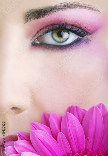 Beauty close-up con fiore #49830620