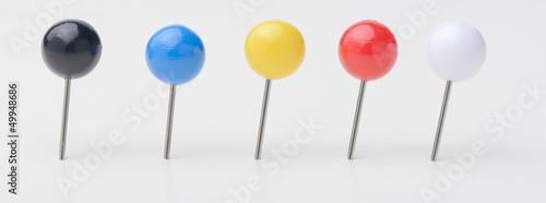 Photo Varios pin o marcadores en forma de bola