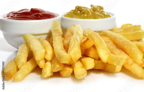 Photo  Patatas fritas con salsas.