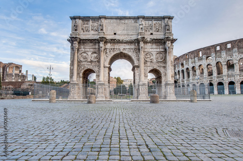 Photo  Arch of Constantine in Rome, Italy
