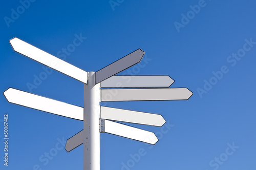 Fotografía  Blank direction signpost