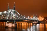 Pont de la Liberté de nuit à Budapest