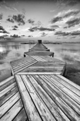 Fototapeta Molo Zig Zag dock in black and white