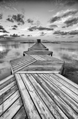 Zig Zag dock in black and white