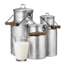 Milchglas Mit Milchkannen