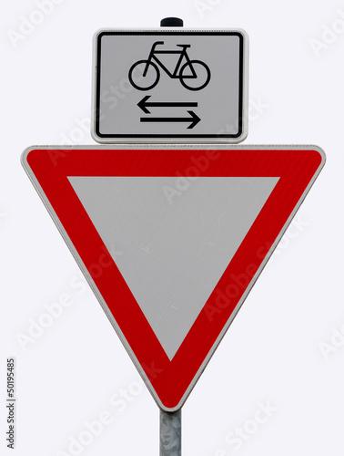 Fotografija  Vorfahrt gewähren - Fahrradfahrer von rechts und links