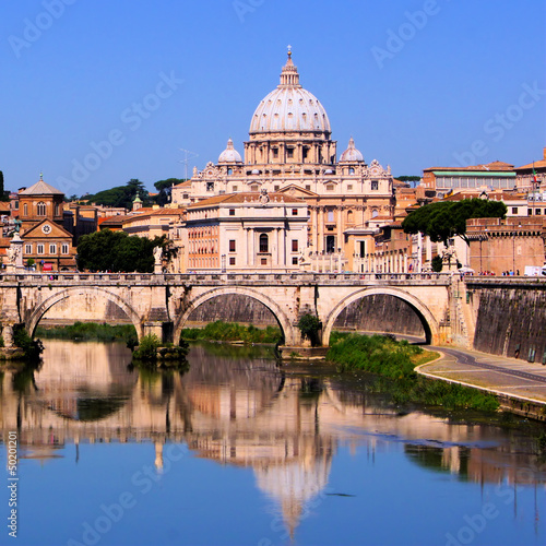 Foto op Aluminium Rome View of the Vatican across the Tiber River of Rome, Italy