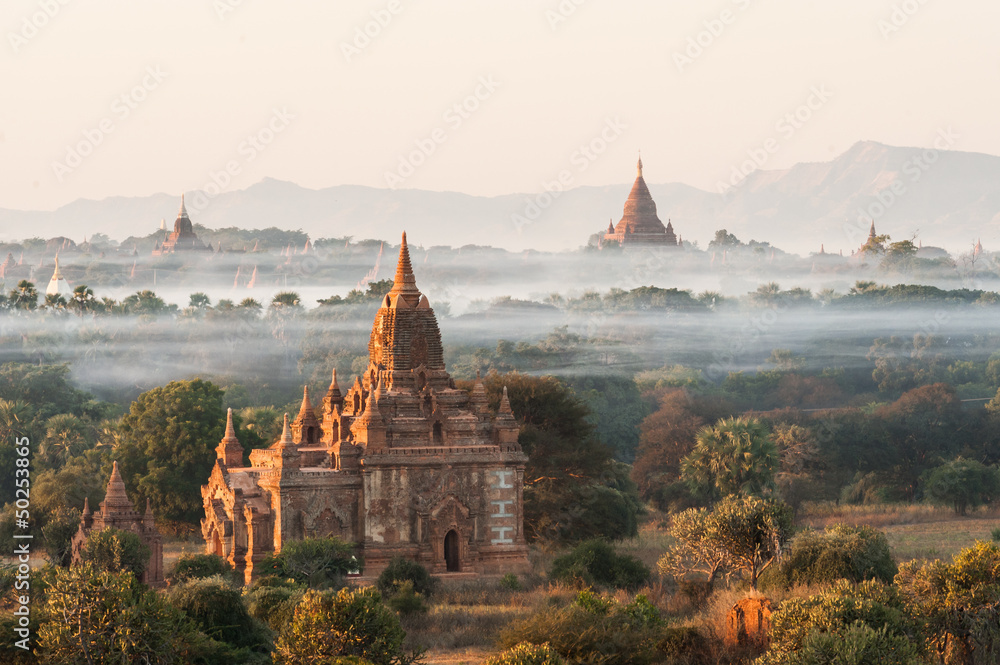 Fototapeta Sunrise at Bagan in Myanmar