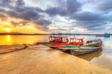 Wschód słońca przy schronieniem Koh Kho Khao wyspa, Tajlandia - 50254263
