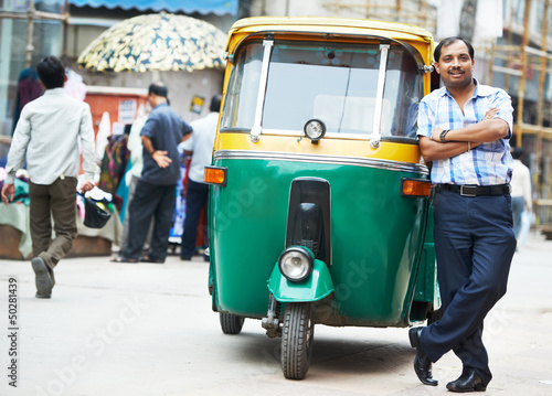 Indian auto rickshaw tut-tuk driver man Tablou Canvas