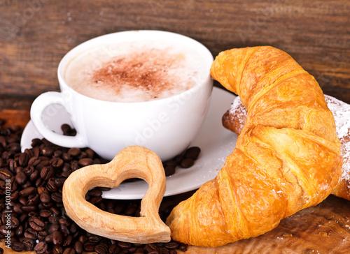 Guten Morgen Frühstück Mit Latte Macchiato Und Croissant