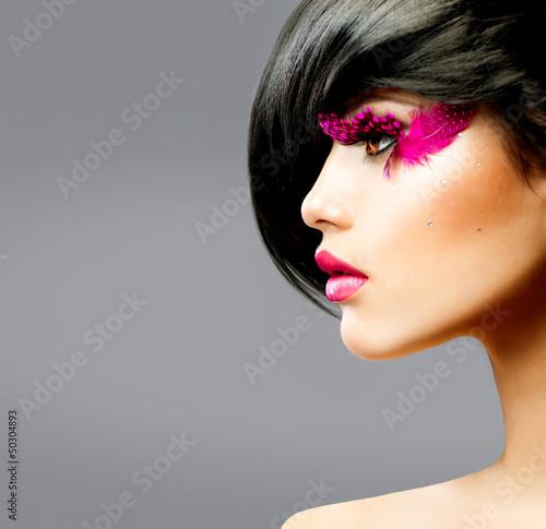 Papiers peints Salon de coiffure Fashion Brunette Model Portrait