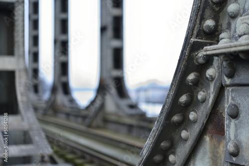 Poster Bridges Vielles colonnes métalliques