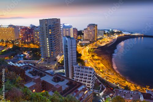 Fotografia  Beaches and hotels of Puerto de la Cruz at sunset, Tenerife