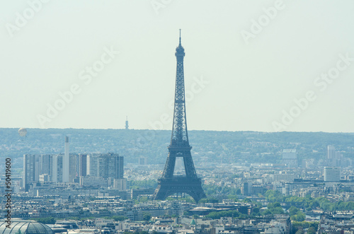Papiers peints Paris Skyline of Paris on bright summer day