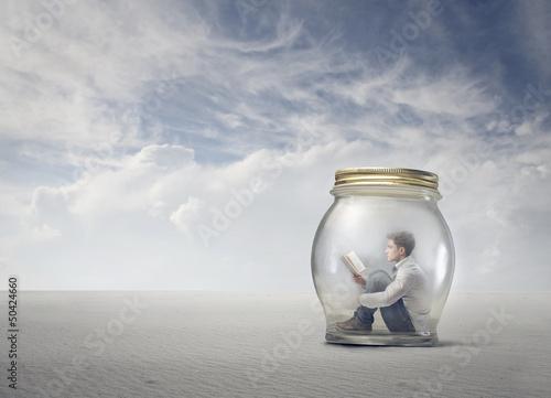 Carta da parati boy in the jar