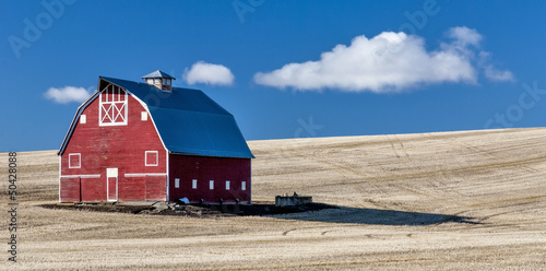 Fotografie, Obraz  Red Barn Blue Sky Wheet fields