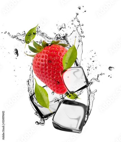 Foto op Canvas Opspattend water Strawberries with ice cubes, isolated on white background