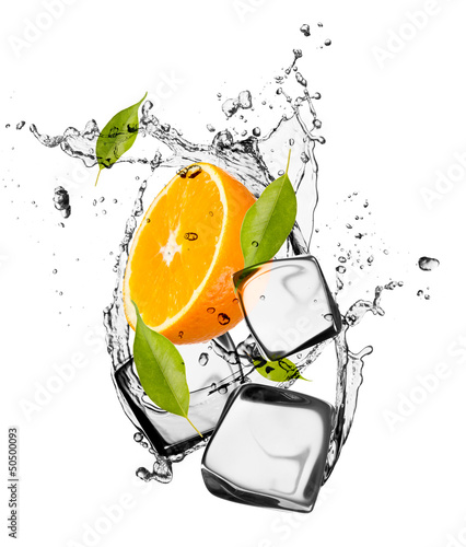 Foto op Canvas Opspattend water Orange with ice cubes, isolated on white background