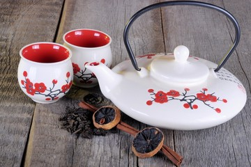 Plakat Chinese tea set on a wooden table