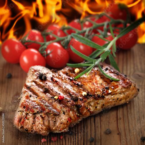Papiers peints Steakhouse gegrilltes Steak vom Rind