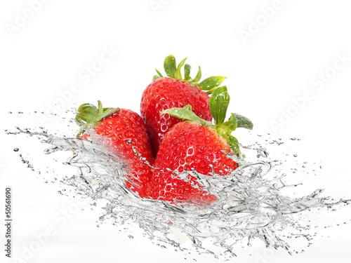 Poster Eclaboussures d eau Erdbeeren