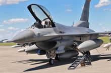 F-16ファイティングファルコン