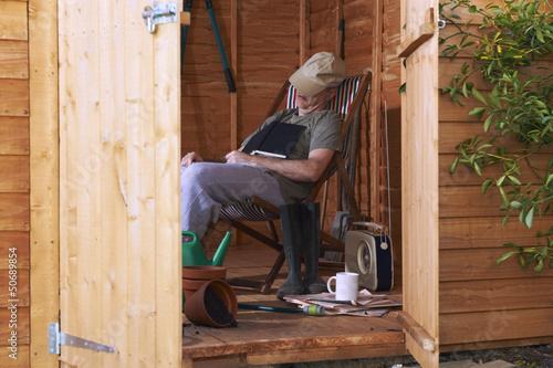 Fotografía Asleep in shed
