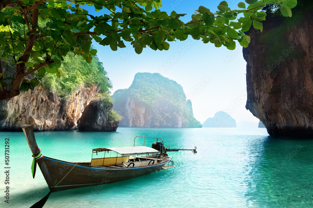 Fototapeta boat on small island in Thailand