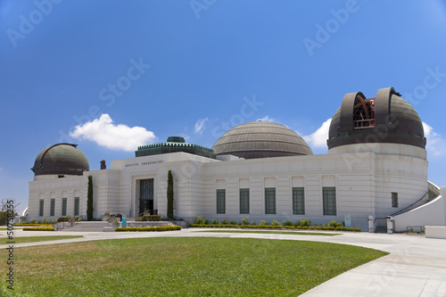 Poster Los Angeles Griffith observatory with green grass field