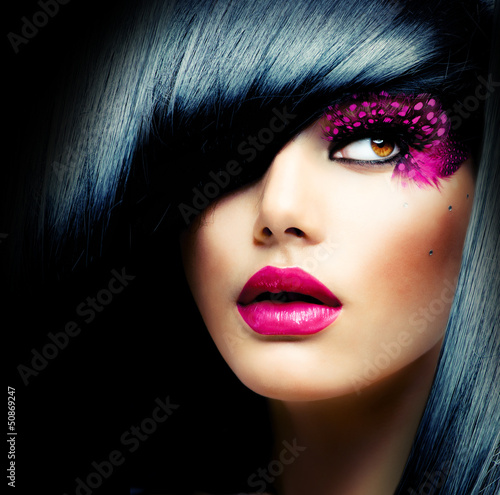 Tuinposter Kapsalon Fashion Brunette Model Portrait. Hairstyle