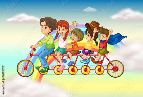 Poster Regenboog A family bike with a group of people riding
