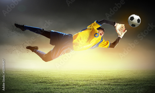 In de dag voetbal Goalkeeper catches the ball