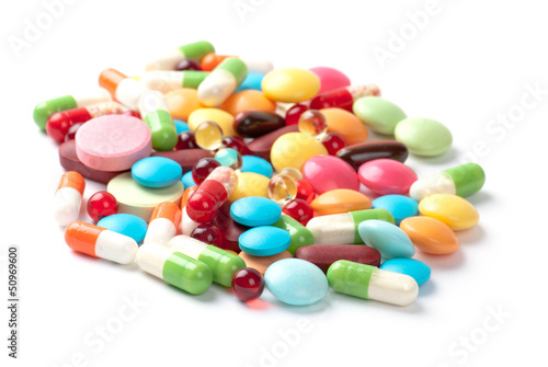 Poster Confiserie pills isolated on white background