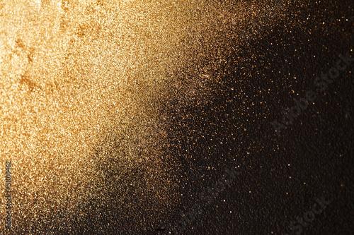 fototapeta na drzwi i meble złotym tle
