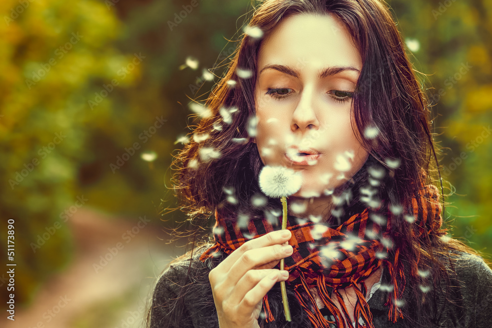 Fototapety, obrazy: Girl with dandelion