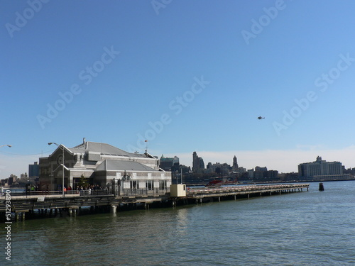 Photo sur Toile Ville sur l eau new york city ville mer bluding