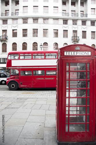londynska-czerwona-budka-telefoniczna-i-czerwony-autobus