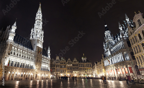 Stickers pour porte Bruxelles Panoramic View of Grand Place in Brussels