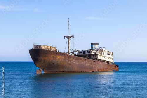 Foto op Aluminium Schipbreuk Shipwreck near Costa Teguise, Lanzarote, Canary Islands, Spain