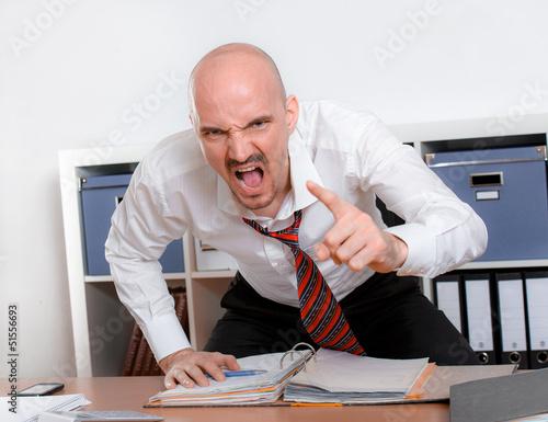 Fotografija  wütender Mann schreit im Zorn