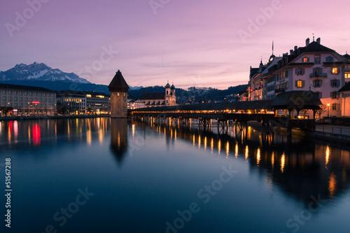 Valokuvatapetti Luzern abends