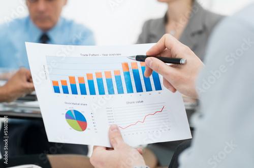 Fotografía  Closeup Of Business Graph