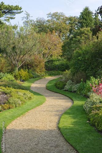 Foto op Canvas Tuin Serpentine garden path